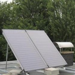 Solarpanele auf einem Hausdach